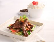 Stir-Fried Beef with Black Pepper and Garlic Sauce