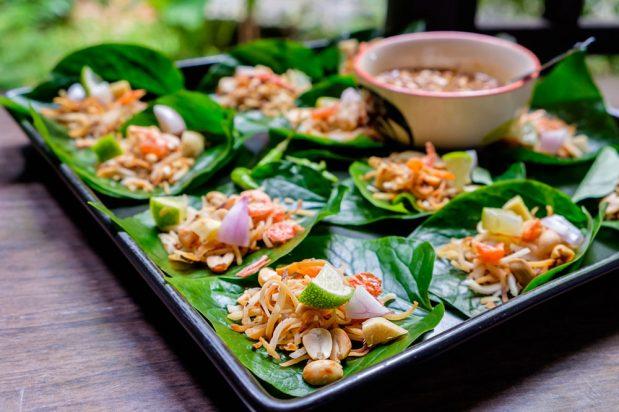 Betel Leaves Wrap (Miang Kham)