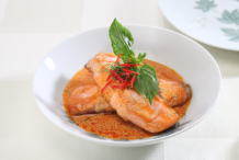 Thai Red Curry Salmon (Choo Chee Pla Salmon)