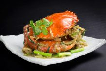 Stir Fry Crabs with Ginger and Spring Onions (Hong Kong Style)