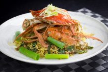 Stir Fry Crabs with XO Sauce and Egg Noodle