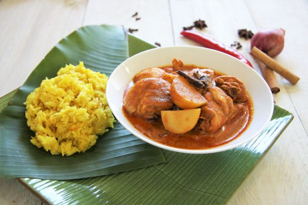 Turmeric Rice with Chicken Curry (Nasi Kunyit)