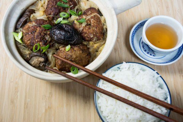 Lion's Head (Shi Zi Tou) Meatballs with Mung Bean Threads