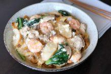 Cantonese Fried Flat Noodles in Egg Gravy (Wa Tan Hor)