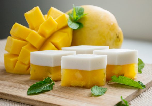 Mango Coconut Jelly Cubes (Woon Mamuang)