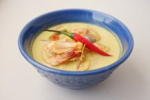 Prawn in Yellow Coconut Curry (Kari Udang)