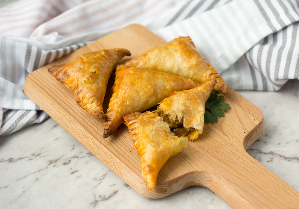 Baked Mild Chicken Curry Puffs Asian Inspirations