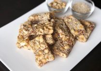Chinese Peanut and Sesame Brittle (Fah Sung Thong)