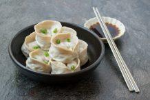 Steamed Korean Kimchi Dumplings (Kimchi Mandu)