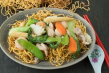 Combination Crispy Noodles (Mi Xao Gion)