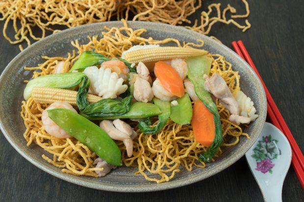Combination Crispy Noodles Mi Xao Gion Asian Inspirations