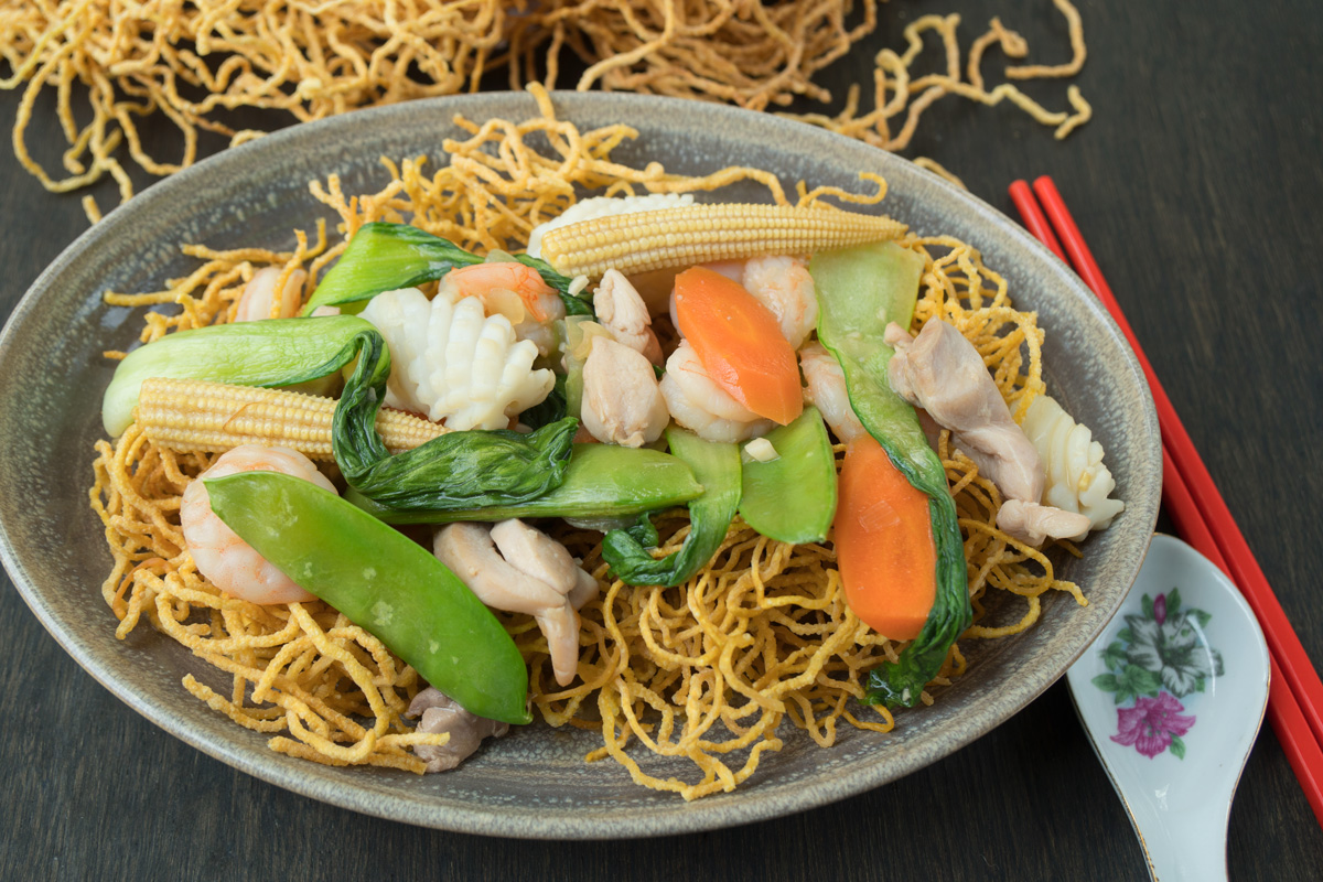 Combination Crispy Noodles Mi Xao Gion Asian Inspirations