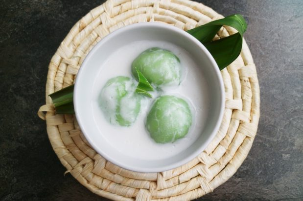 Glutinous Rice Balls in Coconut Milk (Kuih Badak Berendam)