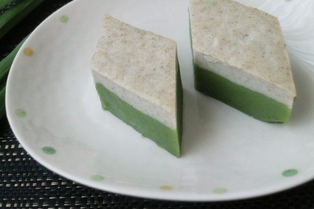 Steamed Pandan Tray Cake (Nyonya Kuih Talam)