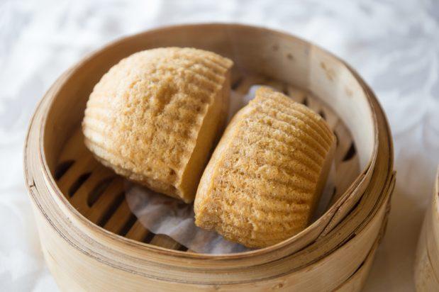Chinese Steamed Sponge Cake (Ma Lai Koh)