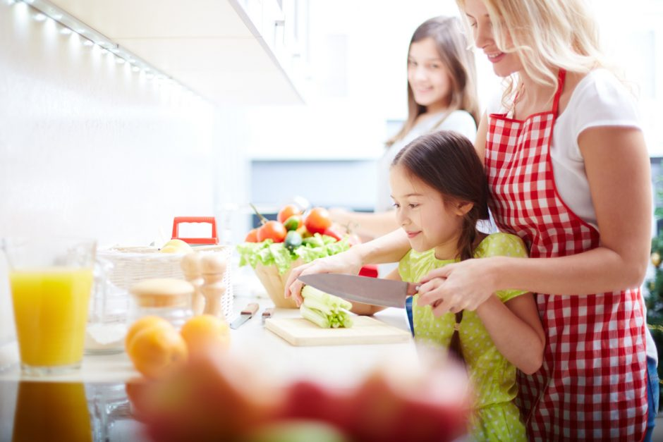 10 Top Tips for Cooking with Kids