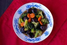 Braised Shiitake Mushrooms with Broccoli