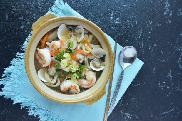 Seafood Korean Knife Cut Noodles (Haemul Kalguksu)