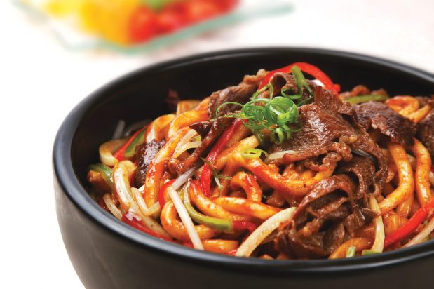 Stir Fried Shanghai Noodles with Beef and Capsicum