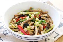 Sichuan Hot Garlic with Shredded Pork (Yu Xiang Rou Si)