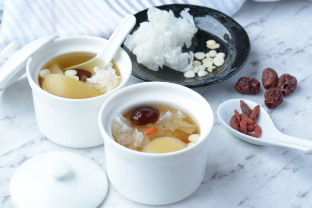 Pear and Snow Fungus Dessert Soup