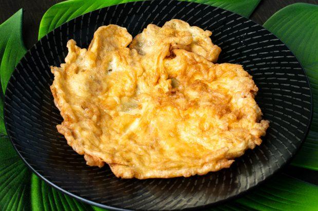 Thai Style Omelette (Khai Jiao)