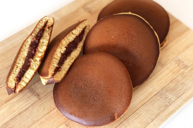 Japanese Red Bean Pancake (Dorayaki)