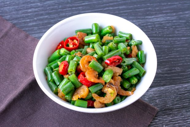 Stir Fried Green Beans with Dried Shrimps and Pickled Radish