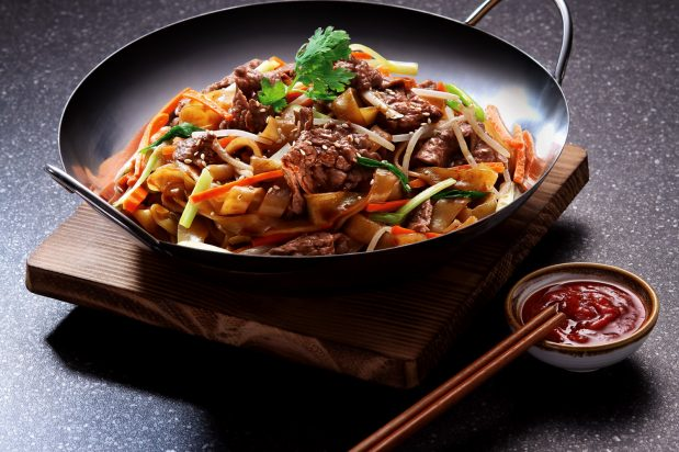 Stir Fried Rice Noodles with Beef in All-Purpose Marinade