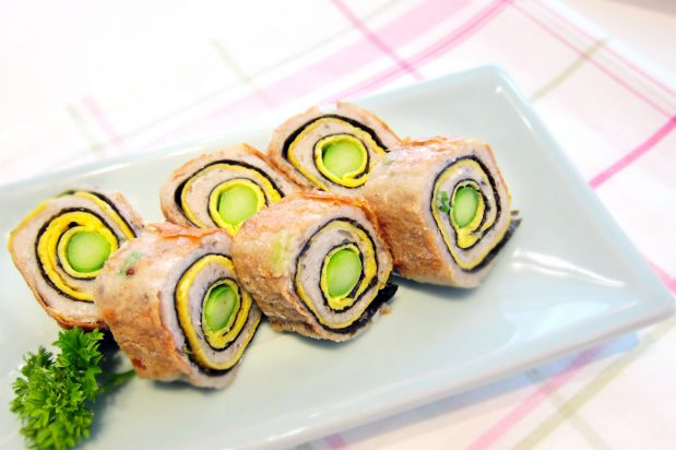 Asparagus and Fish Roll in Oyster Sauce