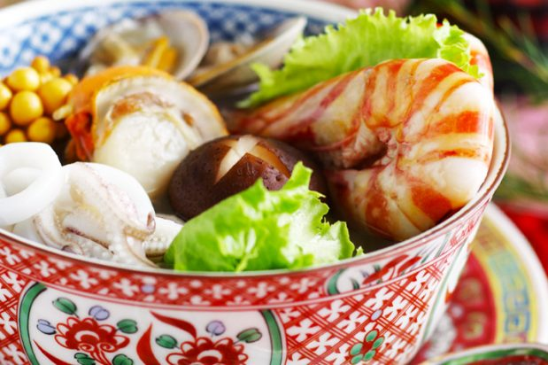 Assorted Seafood Hot Pot with Fine Shrimp Sauce