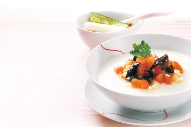 Steamed Egg White with Tomatoes and Elm Fungus