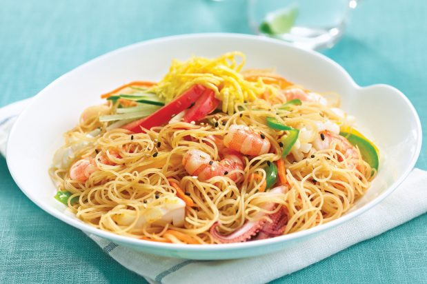 Stir Fried Rice Vermicelli with Seafood