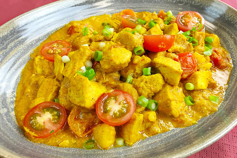 Thai Yellow Chicken Curry (Gaeng Kari) | Asian Inspirations