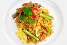 Fried Rice with Stir-Fried Beef