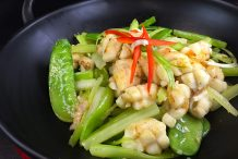 Stir-fried Squid, Snow Peas and Chinese Celery
