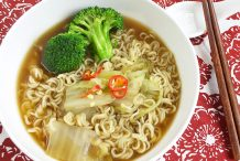 Express Vegetable Noodle Soup
