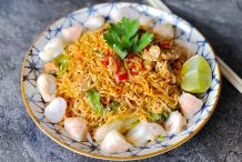 Thai Noodles with Pork (Pad Ma Ma)