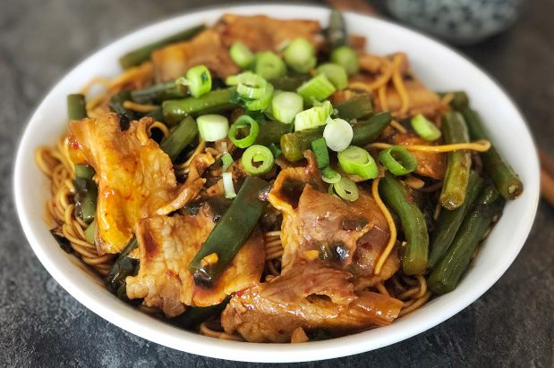 Braised Noodles with Long Beans and Pork (Dou Jiao Men Mian)