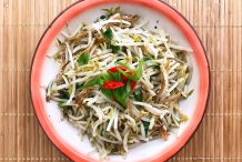 Stir Fried Bean Sprouts with Anchovies