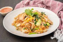 Thai Stir-Fried Suki with Chicken (Suki-Haeng Gai)