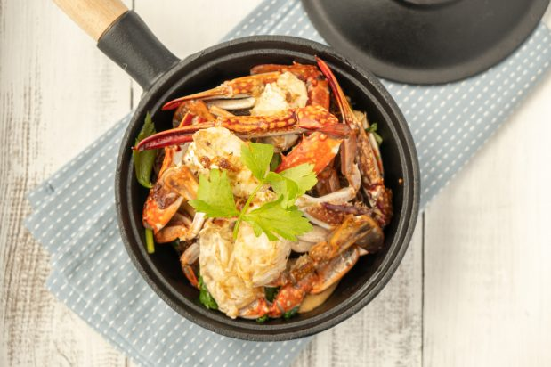 Thai Steamed Glass Noodles with Crab (Poo Aob Woonsen)