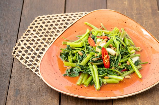 Stir-Fried Water Spinach with Salted Soybean (Pad Pakboong Tao-Jiew)