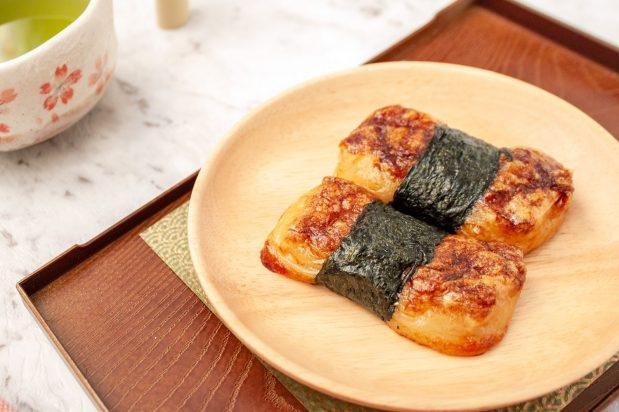 Grilled Mochi in Soy Sauce (Isobeyaki Mochi)