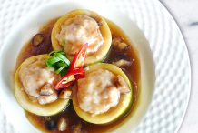 Stuffed Hairy Gourd in Oyster Sauce