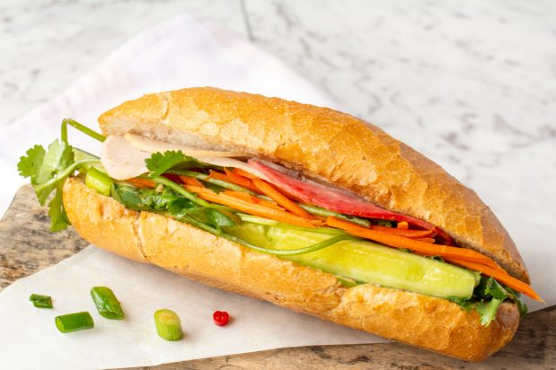 Vietnamese Bread Roll (Banh Mi) with Ham