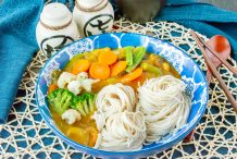 Vegetarian Japanese Curry with Noodles