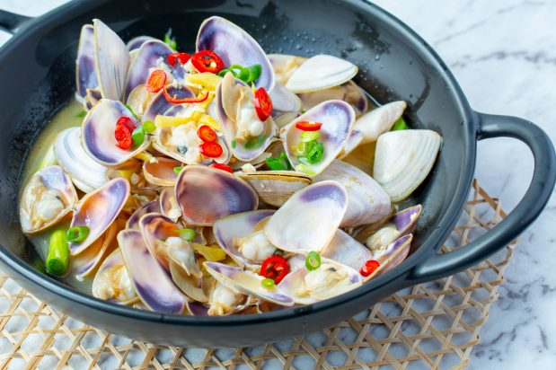 Stir Fried Clams with Ginger