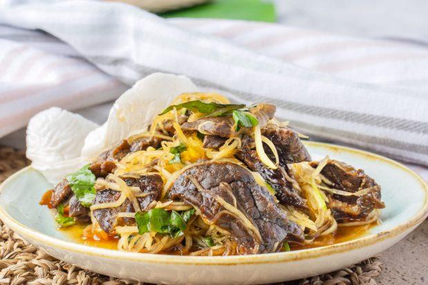 Vietnamese Beef and Papaya Salad