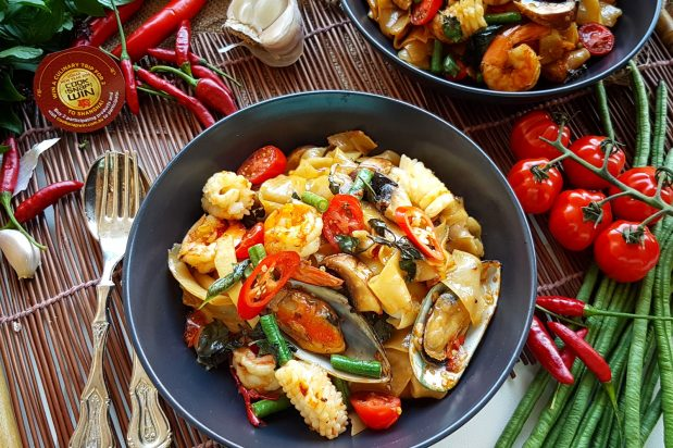 Drunken Noodles Seafood (Pad Kee Mao Ta-Lay)
